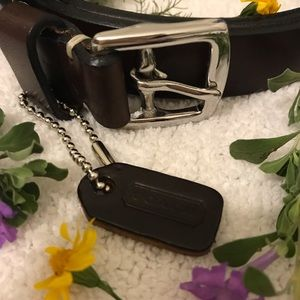 WOMENS COACH DARK BROWN LEATHER BELT WITH TAG